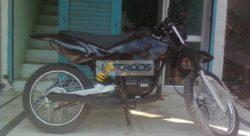 Check out this Modified Yamaha RX100 Dirt Bike!   Motoroids