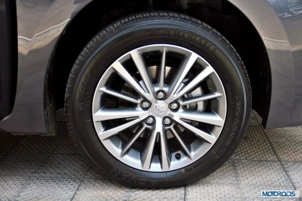 new 2014 toyota Corolla interior (42)
