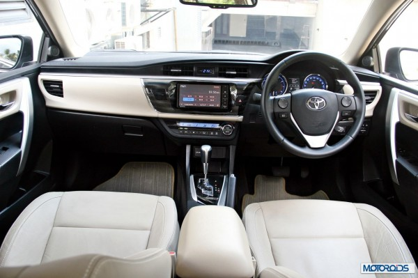 new 2014 toyota Corolla interior (43)