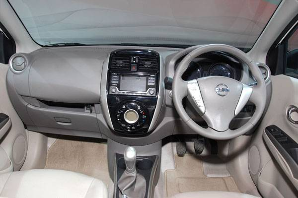 nissan-sunny-facelift-india-launch (3)