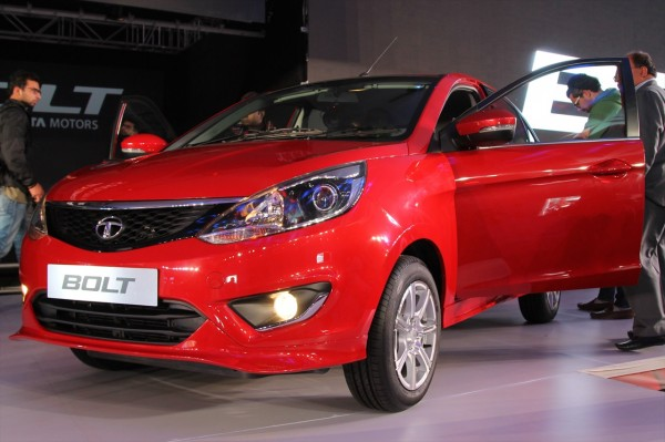 tata bolt vs maruti swift images 4