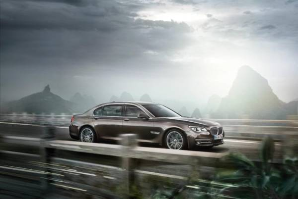 02 The BMW 7 Series-High Security