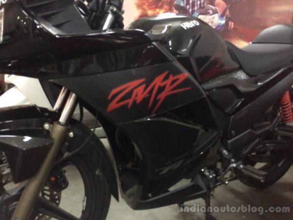 2014-Hero-Karizma-ZMR-fairing-spotted-at-dealership-1024x768