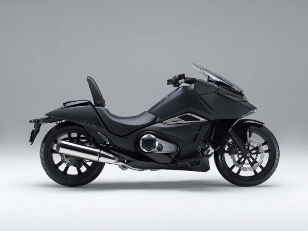 2014-Honda-NM4-Vultus-19