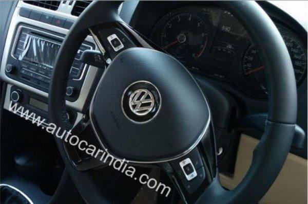 2014 Volkswagen Polo Facelift steering wheel