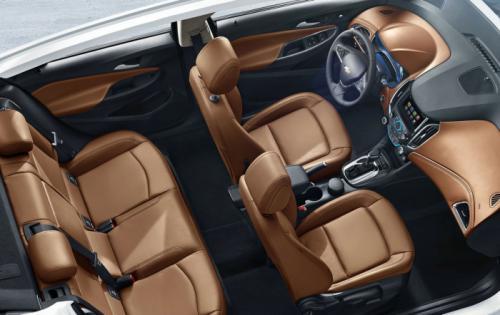 2015-Chevrolet-Cruze-Interiors-Image-2