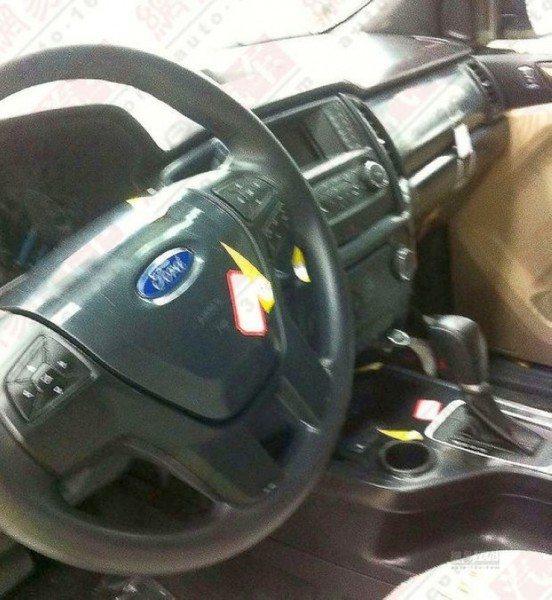 2015-Ford-Endeavour-SUV-Interiors-Spyshot