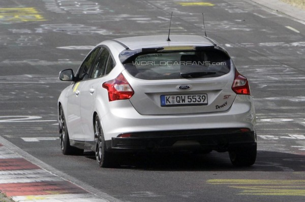 2016-ford-focus-rs (2)