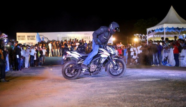 In-Action-Pulsar-Mania-Image-3