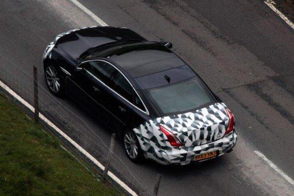 Jaguar-XJ-Facelift-Spy-Pics-image-2