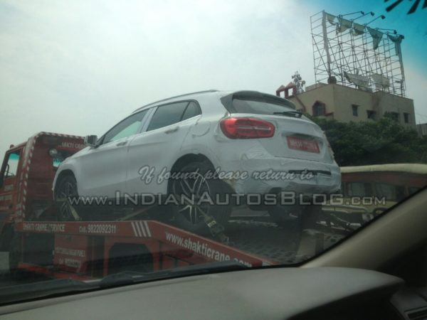 Mercedes-GLA-spied-in-India-rear-quarters-1024x768