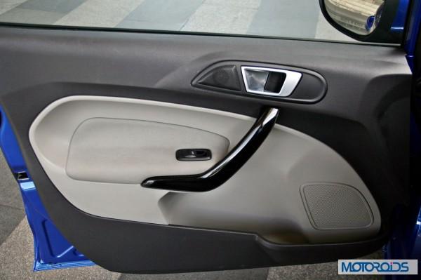 New 2014 Ford Fiesta interior (13)
