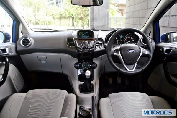New 2014 Ford Fiesta interior (17)
