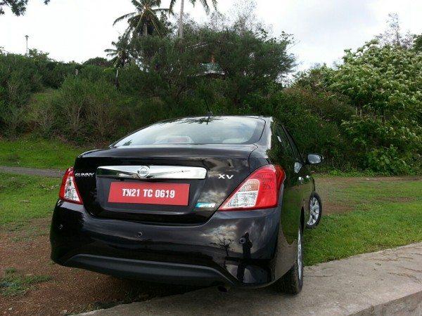 Nissan Sunny (7)