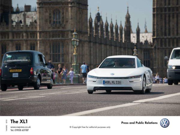 Volkswagen-XL1-Hybrid-Image-3