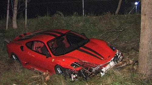 ferrari-scuderia-australia-crash