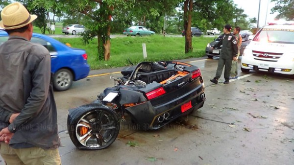 lamborghini-crash-image-1