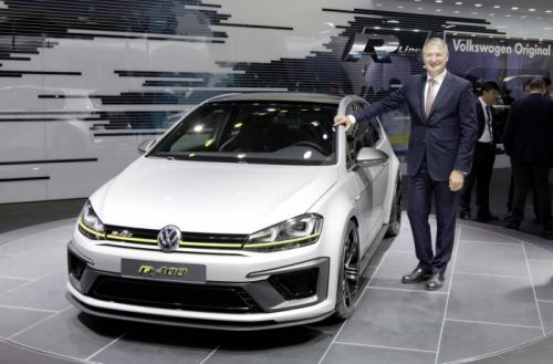 VIDEO : Check Out How the Volkswagen Golf R 400 Concept Sounds