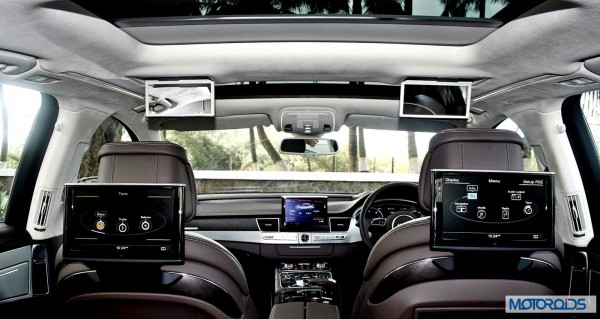 2014 Audi A8L dashboard and interior (35)