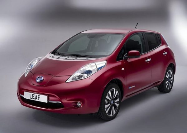 2014-Nissan-Leaf-Electric-Car-7