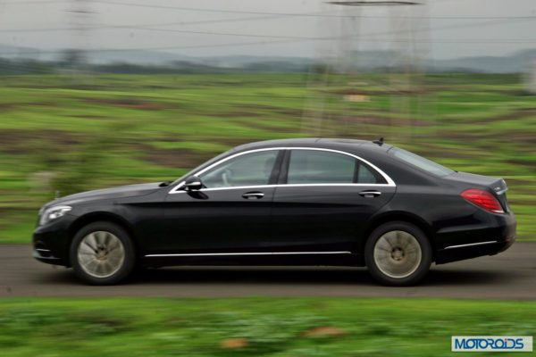 2014 S Class S350 CDI black Action (4)