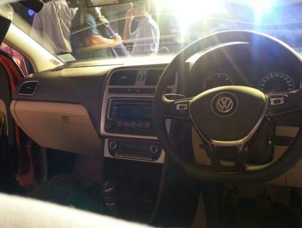 2014 Volkswagen Polo (10)