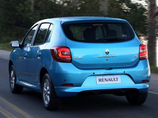 2014-renault-sandero-brazil-2-520x390