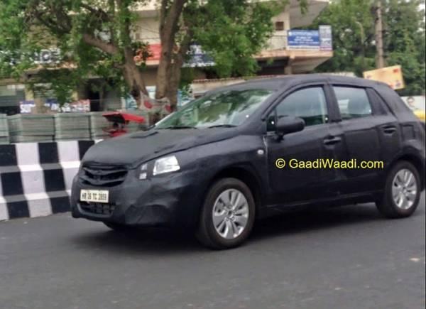 2015-Maruti-Suzuki-S-Cross-Crossover-Spyshot-1