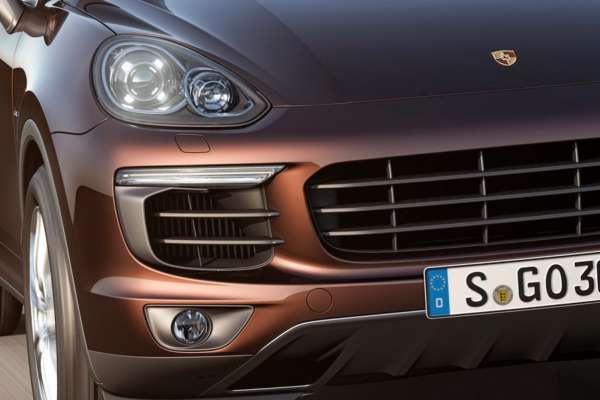 2015-Porsche-Cayenne-Facelift-11