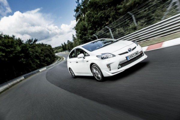 VIDEO : Toyota Prius Sets Fuel Economy record at the Nurburgring