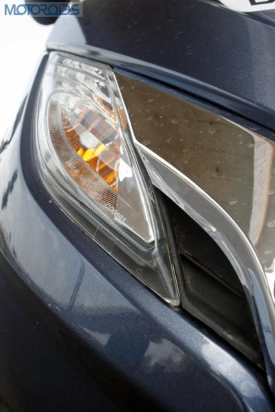 Clear-lens blinkers up front