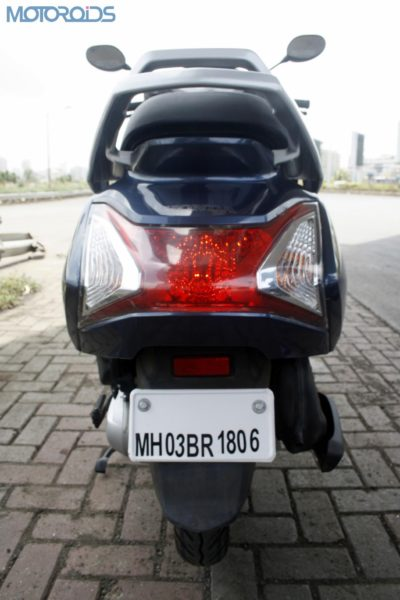 Large rear tail-lamp looks neat