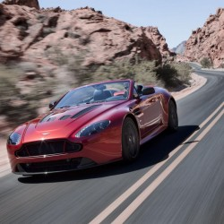 Aston Martin V12 Vantage S Roadster unveiled