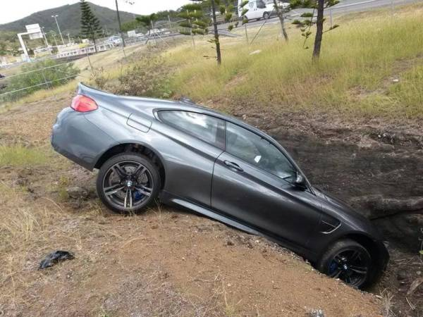 BMW-M4-Crashed-In-France-Image-1