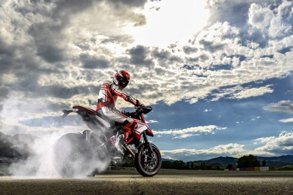 Ducati-Hypermotard-2015-Image-Gallery-6