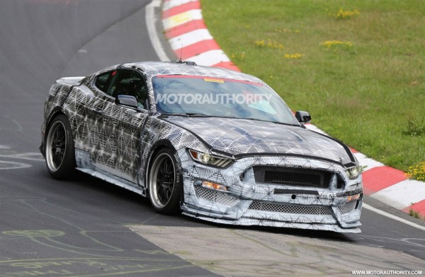 Ford-Mustang-2016-Spy-Images-1