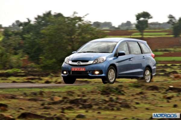 Honda Mobilio action (8)