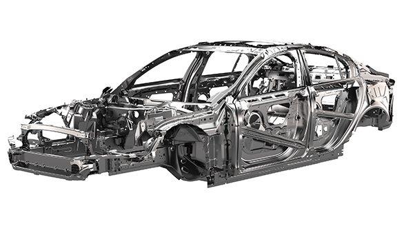 Jaguar-XE-Ingenium-1