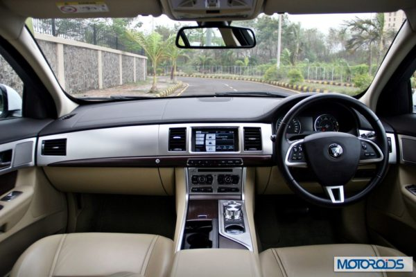 Jaguar XF interior (28)