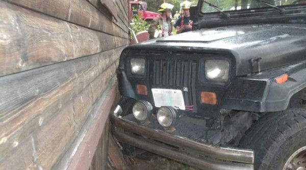 Jeep-Wrangler-Damaged-By-A-Toddler-Image-1