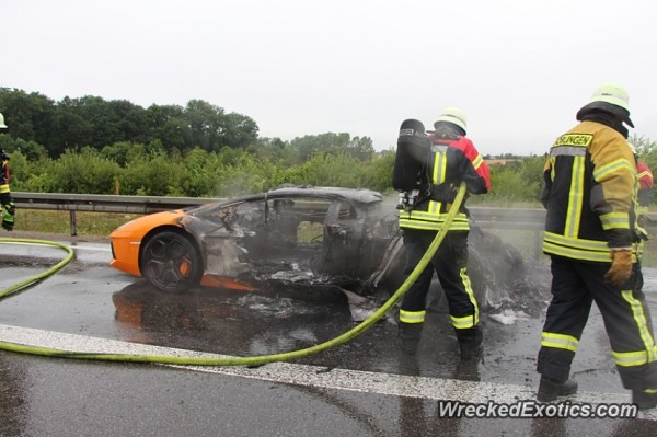 Lamborghini-Aventador-Germany-burnt-images-3