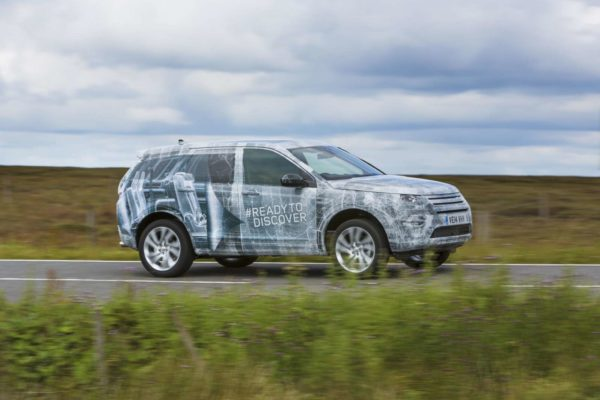 Land-Rover-Discovery-Sport-5+2-Image-4