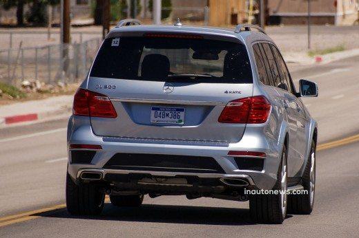 Mercedes-Benz-GL-Class-Spy-Pics-5