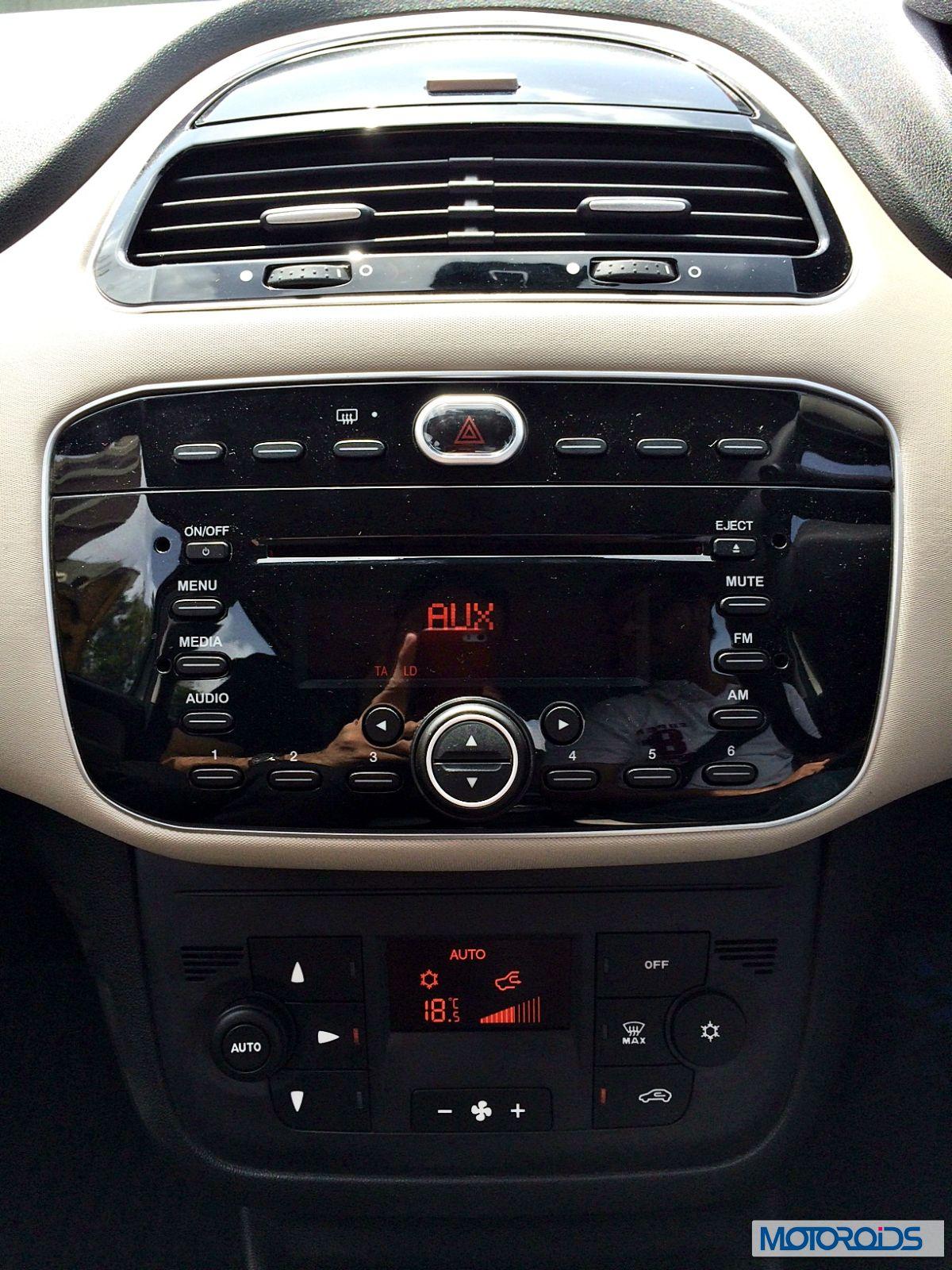 Punto Evo Dashboard 1 Motoroids Com