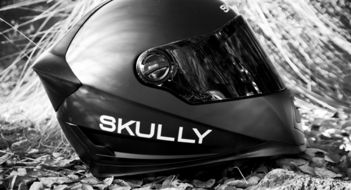 the skully ar 1 a helmet with rear view camera and an hud on the visor motoroids. Black Bedroom Furniture Sets. Home Design Ideas