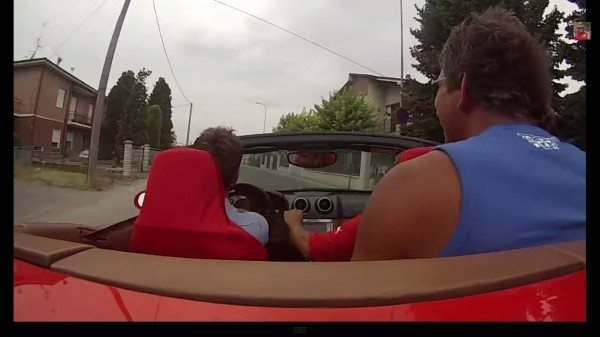 VIDEO : Guy Crashes Ferrari California on a Test Drive