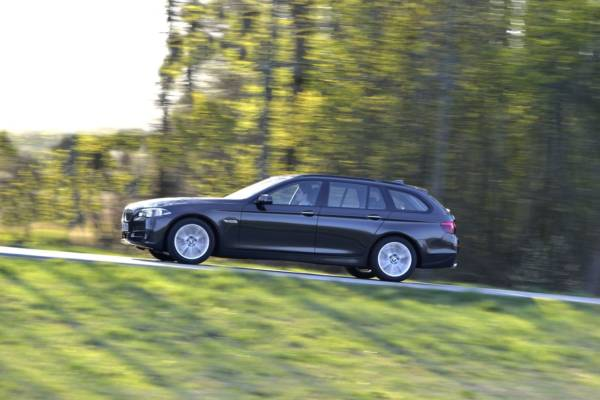 BMW 520 d Touring, Sophistograu Brillanteffekt, 135/184 kW/PS