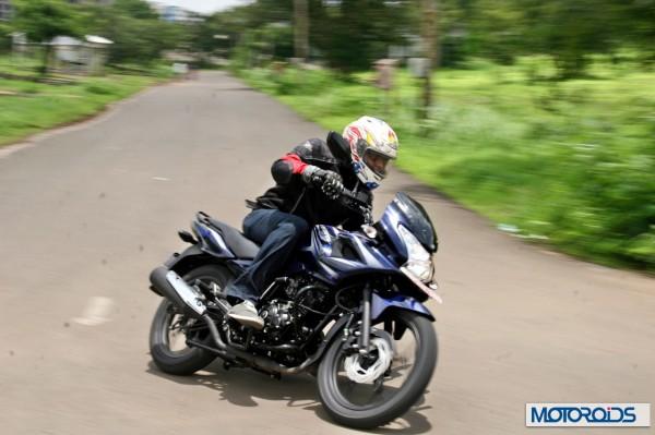 2014 Bajaj Discover 150 F (16)