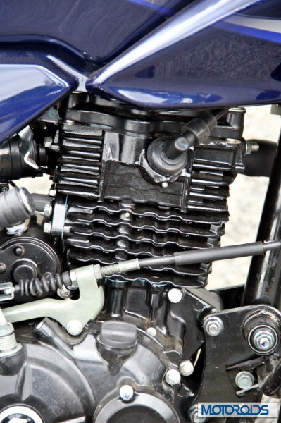 2014 Bajaj Discover 150 engine (2)