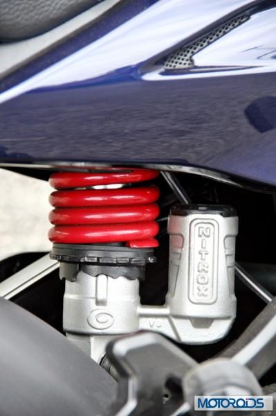 2014 Bajaj Discover 150 rear mono-shock (2)